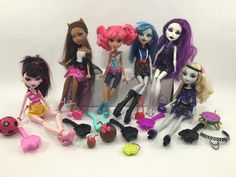 Monster High Lot of 6 Dolls w Various Clothing Combs Assorted Accessories MH8 | eBay