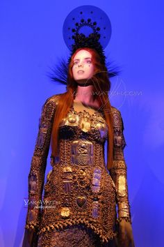 "Collection ""Les Vierges"" 2007 -  Exposition Jean Paul Gaultier - Grand Palais - Paris"