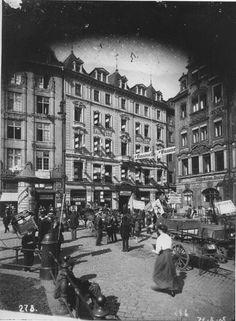 Markt Westseite Leipzig um 1890 Louvre, Street View, Lob, Travel, Leipzig, Monochrome, Viajes, The Lob, Destinations