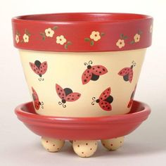 169 Lady Bug Dance Flower - Deco How to Crafts Painted Clay Pots, Painted Flower Pots, Painted Pebbles, Flower Pot Crafts, Clay Pot Crafts, Lady Bug, Vasos Vintage, Decorated Flower Pots, Flower Pot Design
