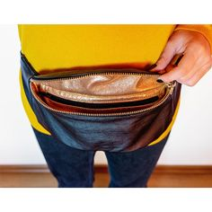 Arya, belt bag has an interior zipper pocket for your phone, money, credit card etc. The waist belt is adjustable. Leather Fanny Pack, Leather Bags, Cool Fanny Packs, Leather Bookmark, Hip Bag, Summer Bags, Arya, Leather Accessories, Handmade Leather