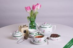 Nothing found for Services Vienna Rose Vrh Herend Porcelain Sets Mocca, Tea Sets, Fine China, High Tea, Tea Time, Tea Party, Porcelain, Pottery, Hand Painted
