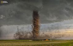 tornade spectaculaire immortalisée à Simla dans le Colorado (États-Unis)