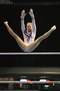 Gymnastics Flexibility, Acrobatic Gymnastics, Sport Gymnastics, Olympic Gymnastics, Gymnastics Leotards, Amazing Gymnastics, Gymnastics Pictures, Artistic Gymnastics, Dance Photography Poses
