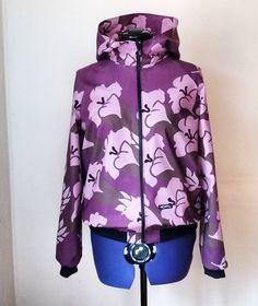 One more #jacket . Couldn't resist, this #marimekko #fabric called #hämärä is perfect for a #coat ?  #hoppudesign #saumanvara #sewing #reuse a curtain.