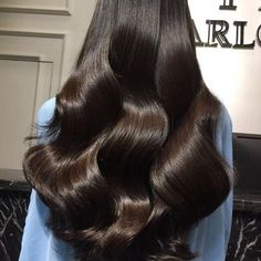 The important factor is the type of hair extensions available. You can have synthetics or human and natural hair. Pretty Hairstyles, Straight Hairstyles, Hair Inspo, Hair Inspiration, Fashion Inspiration, Bob Hair, Curly Hair Styles, Natural Hair Styles, Hair Laid