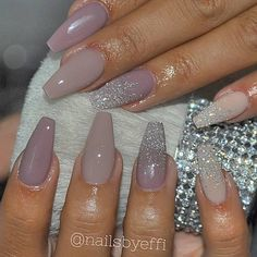 There are three kinds of fake nails which all come from the family of plastics. Acrylic nails are a liquid and powder mix. They are mixed in front of you and then they are brushed onto your nails and shaped. These nails are air dried. Cute Acrylic Nails, Acrylic Nail Designs, Acrylic Nails Coffin Kylie Jenner, Nude Nails, My Nails, Long Nails, Purple Glitter Nails, White Glitter, Glittery Acrylic Nails