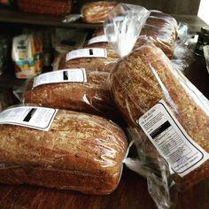 Hummm O cheirinho de pão já tomou conta da Vida Verde O Pão da Cida é integral de verdade feito de forma artesanal sem corantes e conservantes! #pãodacida #pãointegral #integraldeverdade #artesanal #natural #produtosnaturaisvidaverde #lojavidaverde by lojavidaverde http://ift.tt/1Tkl3qh