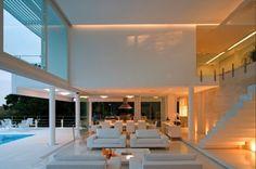 sala varanda piso granilite branco parede marmore