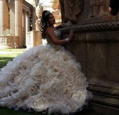 Quinceanera Photography | Quinceanera Dresses Champagne | Quinceanera Ideas |