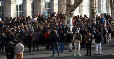 Liberté, égalité, fraternité et laïcité, les valeurs de notre République doivent retrouver les bancs de toutes les écoles de France, quelques soient les confessions ou pas des élèves et de leurs ainés. Je suis Charlie ! ------------------- A Saint-Denis, collégiens et lycéens ne sont pas tous « Charlie »