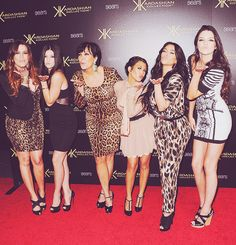 I can't deny my love for the Kardashians!!