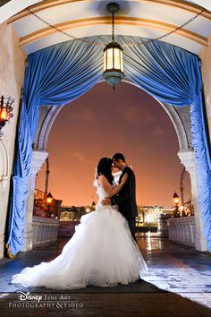 I definitely want to get a picture in the archway like this. Timing it to be at exactly sunrise like this would be great too