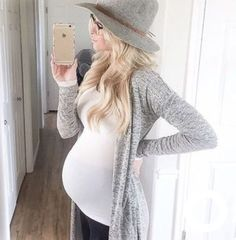 Awesome 49 Stylish Pregnancy Outfits Ideas For Winter. More at http://aksahinjewelry.com/2018/01/19/49-stylish-pregnancy-outfits-ideas-winter/ #pregnancyclothes,