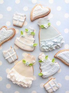 Pretty bridal cookies (Misako's Sweets Blog).