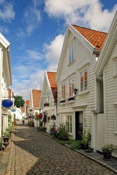 Stavanger, Norway..my Grandpa on my dads side was born and raised in this town. From his side I'm a second generation American. All my cousins and aunts and uncles on thus side still live here....Wendy