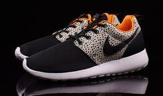 4da84a2c6bc76 Nike Roshe Run