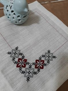 This Pin was discovered by Öze Cross Stitch Borders, Cross Stitch Flowers, Cross Stitch Designs, Cross Stitching, Cross Stitch Patterns, Folk Embroidery, Ribbon Embroidery, Cross Stitch Embroidery, Embroidery Patterns
