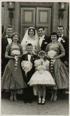 1950 wedding party in Chicago, Illinois