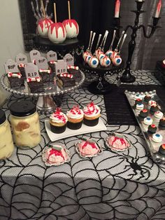 Cindy L's Halloween / Gory Glam Spooktakular - Photo Gallery at Catch My Party Halloween Appetizers For Adults, Comida De Halloween Ideas, Casa Halloween, Appetizers For Kids, Halloween Food For Party, Halloween Birthday, 13th Birthday, Halloween Treats, Birthday Celebration