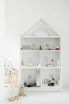 Need a doll house? We have selected 5 great Ikea hacks.Turn a piece of Ikea furniture into a dolls house. Ikea Dollhouse, Dollhouse Furniture, Dollhouse Bookcase, Ikea Billy Bookcase Hack, Ikea Billy Hack, Ikea Shelves, Bookcase Shelves, Book Shelves, Diy Regal