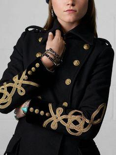 Ralph Lauren Wool Military Coat with a high, warm collar ! Military Chic, Military Looks, Military Style Jackets, Military Army, Military Inspired Fashion, Military Fashion, Militar Jacket, Coats For Women, Jackets For Women