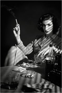 Film Noir - Portrait - Smokey - Black and White Photography Beau Film, Foto Portrait, Portrait Photography, Photography Lighting, Photography Ideas, Smoking Vintage, Office Film, Film Noir Fotografie, Smoking Noir