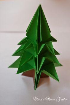 Origami Christmas Tree Tutorial with Step-by-Step Photos (in Romanian) Origami Tree, Origami Christmas Tree, Origami Lamp, Cool Christmas Trees, Diy Origami, Origami Paper, Diy Paper, Paper Crafts, Origami Tutorial