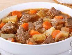 Varmende grønnsaksgryte med oksekjøtt Frisk, Pot Roast, Food Styling, Dinner Recipes, Food And Drink, Beef, Baking, Ethnic Recipes, Tips