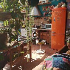 36 Lovely Bohemian Kitchen Decor Ideas That You Will Like Bohemian House Decor Bohemian Decor Ideas Kitchen Lovely Bohemian Chic Decor, Bohemian Kitchen Decor, Bohemian House, Bohemian Interior, Hippie Kitchen, 70s Kitchen, Eclectic Kitchen, Vintage Bohemian, Room Kitchen