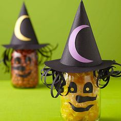 kids crafts diy halloween Can make differnt for Christmas or Easter Halloween Crafts For Kids, Spooky Halloween, Holidays Halloween, Happy Halloween, Halloween Decorations, Halloween Party, Halloween Treats, Witch Party, Halloween Projects