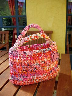 "New Cheap Bags. The location where building and construction meets style, beaded crochet is the act of using beads to decorate crocheted products. ""Crochet"" is derived fro Plastic Bag Crafts, Plastic Bag Crochet, Recycled Plastic Bags, Plastic Grocery Bags, Crochet Tote, Crochet Handbags, Crochet Purses, Bead Crochet, Crochet Crafts"