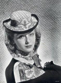 Caroline Reboux Millinery, Photographed By André Durst, 1940 Suzy, 1940s Fashion, Vintage Fashion, Caroline Reboux, 1940s Woman, French Hat, Magazine Mode, She's A Lady, Retro Mode