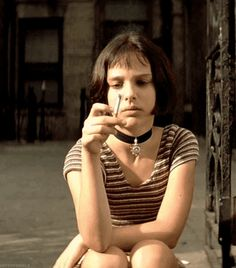 At the age of she hit the mark in Luc Besson& film & alongside Jean Reno & & 14 facts that prove that Natalie Portman is a genius Natalie Portman Mathilda, Natalie Portman Leon, Jean Reno, Nathalie Portman Style, Leon The Professional Mathilda, Natalie Portman The Professional, Luc Besson Films, Mathilda Lando, Badass Women