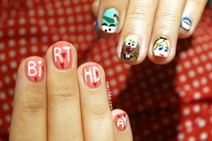 Alice in Wonderland nail-art