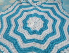 Crochet star blanket, gender neutral nursery, star nursery decor, crochet baby blanket, stroller accessories, new mom gift, newborn blanket