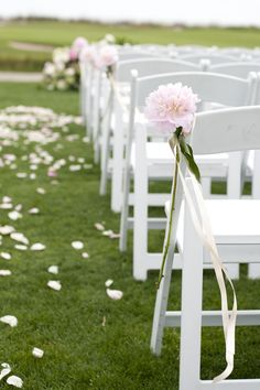 Peony Aisle Decor: How to Style the Aisle with Peonies
