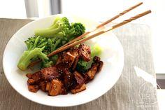 Spicy tofu recipe – healthy, low calorie, quick, and easy | via hellobrio.com