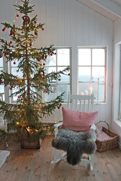 VIBEKE DESIGN  Christmas tree