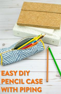 Easy DIY Pencil Case - a great back to school craft idea Funnel Cake funnel cake queen menu Pencil Case Tutorial, Diy Pencil Case, Pencil Cases, Sewing Projects For Beginners, Sewing Tutorials, Sewing Crafts, Sewing Tips, Sewing Patterns, Sewing Ideas