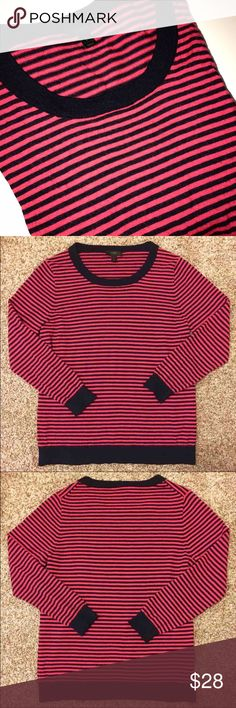 [J. Crew] Striped Wool Sweater ❤️ Extremely soft striped pullover sweater in a size Large. 100% Merino Wool. No flaws at all- In excellent pre-owned condition. Please feel free to ask any/all questions!   *Open to REASONABLE offers* ❤️ J. Crew Sweaters Crew & Scoop Necks