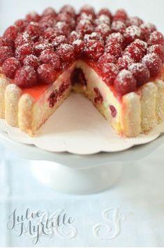 Raspberry Charlotte {Bavarian Vanilla with custard} - Charlotte Dessert, Charlotte Cake, Cake Recipes, Dessert Recipes, Berry Tart, Bon Dessert, Recipes From Heaven, French Pastries, Christmas Desserts
