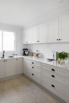 Choosing New Kitchen Countertops New Kitchen Cabinets, Kitchen Countertops, Diy Kitchen, Kitchen Interior, Kitchen Dining, Kitchen Decor, Kitchen Ideas, Home Kitchens, Decoration