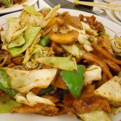 Aprenda a preparar salada de acelga chinesa com esta excelente e fácil receita.  Esta salada oriental de acelga é ótima para acompanhar seu prato de carne ou peixe...