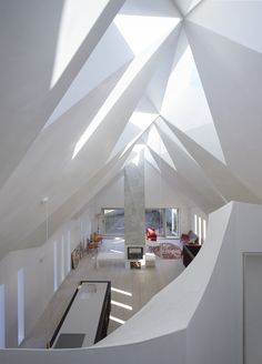Craftworks insert a faceted Modern Gothic roof into abandoned chapel Lounge Design, Roof Design, Skylight Covering, Chapel Conversion, Modern Gothic, Roof Architecture, Tropical Architecture, London House, Amsterdam School