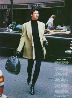 """Camel's Back"", Vogue US, September 1989 Photographer : Peter Lindbergh Model : Linda Evangelista Love! 80s And 90s Fashion, Trendy Fashion, 80s Fashion Icons, Fashion Fashion, Style Blazer, Tatjana Patitz, Look 2017, Vintage Outfits, Vintage Fashion"