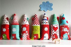 Cute little houses made from scrap fabric. From the book scandinavian stitches by kajsa wikman by BabyA Cute Little Houses, Cute House, Fun Projects, Sewing Projects, Book Projects, Sewing Ideas, Diy And Crafts, Crafts For Kids, House Ornaments