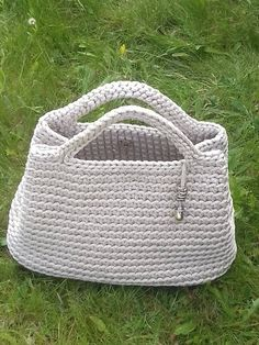Short handles bag- -Crochet bag - Summer Beach bag - Stylish handbag - Knitted bag - Fashion bag, by CutecraftsLT on Etsy Crochet Shell Stitch, Crochet Tote, Crochet Handbags, Crochet Purses, Beach Crochet, Summer Handbags, Summer Bags, Baby Girl Winter Hats, E Reader