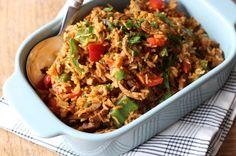 Wat doe je als je zowel zin hebt in nasi als shoarma? Dan maak je shoarma nasi en dat is zo gedaan. Bekijk hier het recept! A Food, Good Food, Food And Drink, Spatzle, Happy Foods, Fried Rice, Macaroni, Risotto, Spaghetti