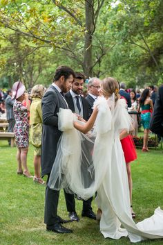 AnyBea-0899 White Dress, Dresses, Fashion, Palaces, Brides, Wedding, Style, Vestidos, Moda